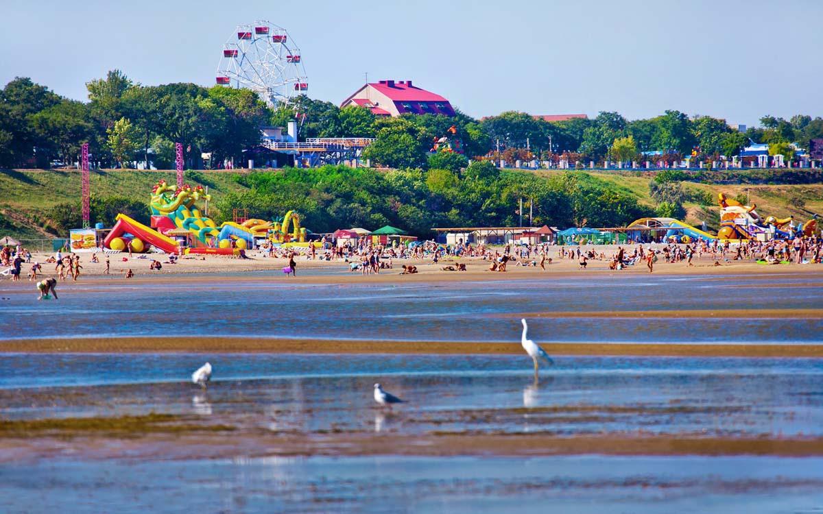 фото пляжа каменка в ейске никто
